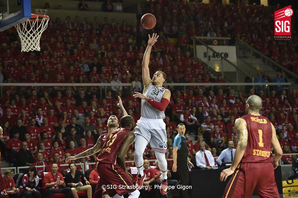 SIG_Galatasaray_Kyle Weems2