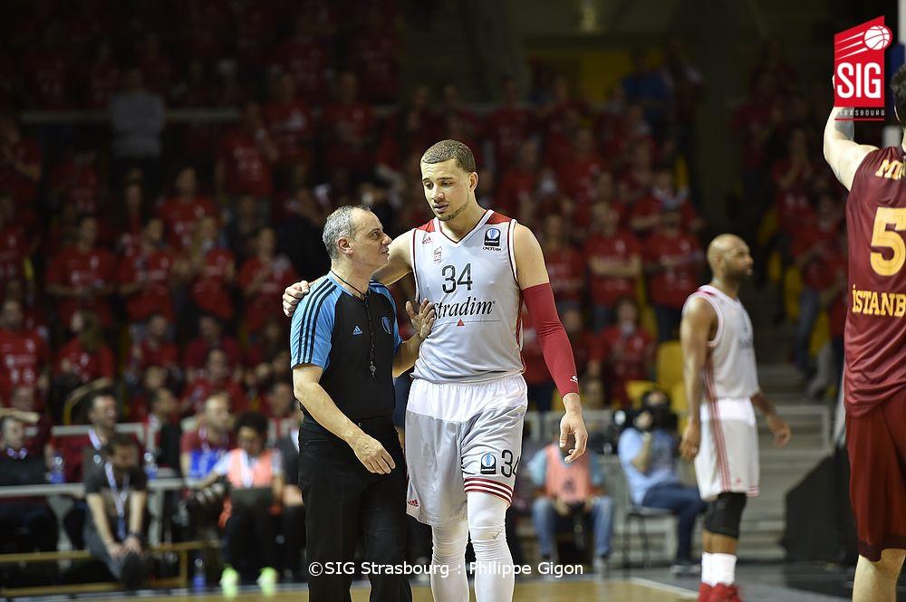 SIG_Galatasaray_Kyle Weems4