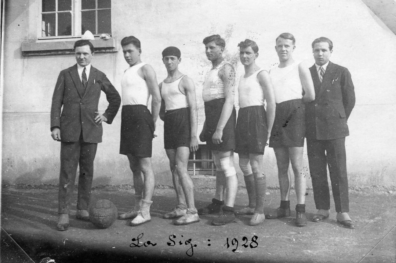 001_equipe_1928.jpg