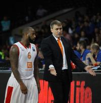 Coach Kemzura&Darius Washington
